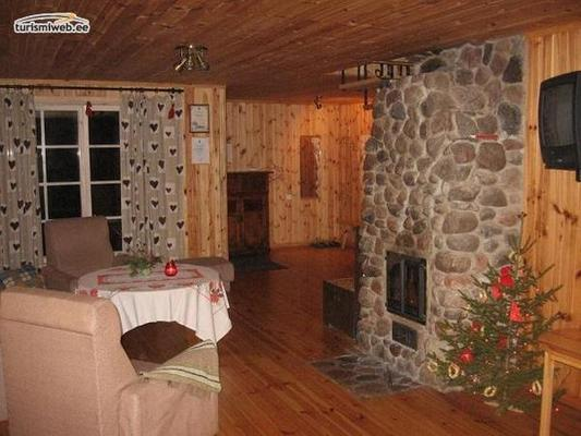 9/10 Kipi Holiday House