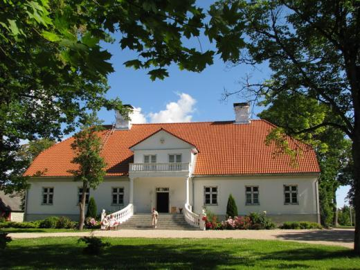 18/18 Saare Manor Accommodation