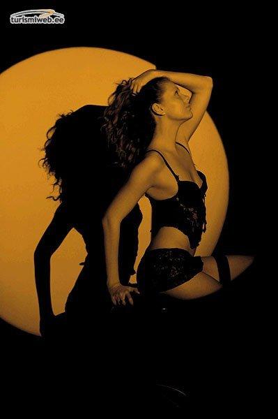 Erotic striptease yökerhot tallinna